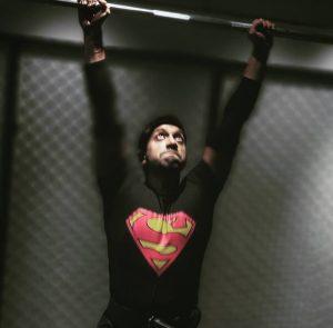 superman-overhead